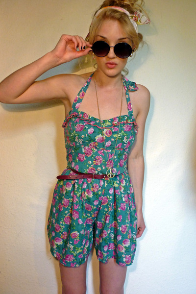 pink thrifted vintage scarf - black round Primark sunglasses - gold peace sign a