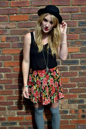 red asos skirt - black felt bowler H&amp;M hat - heather gray Primark socks