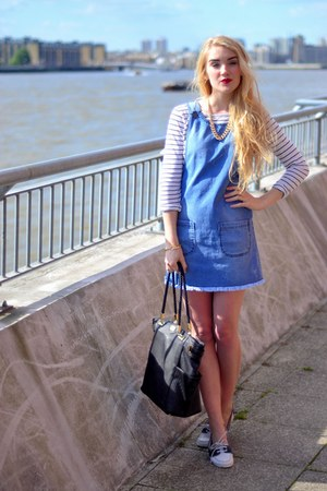 blue denim Pretty Little Thing dress