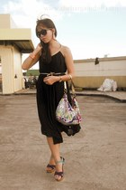 black From Kelly Medina dress - hot pink coach bag - violet Soledesire heels