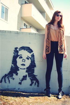 gold vintage vest - gold vintage top - black Urban Outfitters pants - black Vint