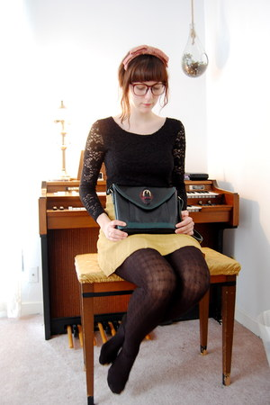 maroon fascinator vintage hat - black vintage purse - black lace Spank top - mus