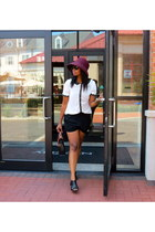 black vintage bag - maroon Topshop hat