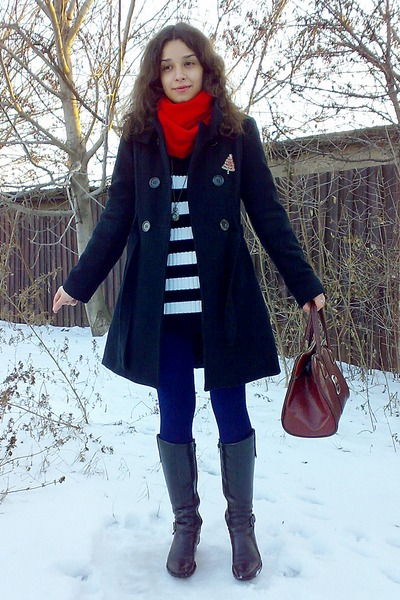 navy leggings - black military coat - sweater - ruby red scarf