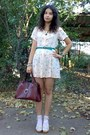 Peach-thrifted-floral-dress-crimson-vintage-purse-beige-leather-wedges