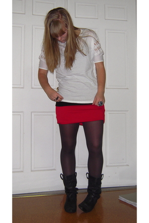 harper t-shirt - vintage from Savers skirt - SOS boots - sprout jewellery  etsyc