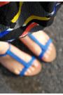 Blue-zara-bag-black-river-island-dress-blue-pull-bear-sandals