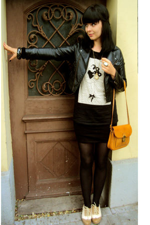 black H&M jacket - gold vintage bag - black Stradivarius blouse