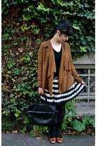 dark brown Vero Moda cardigan - black dog vintage shoes - black H&M accessories