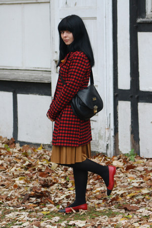 Chanel flats - troll coat - pichard bag - Vinatge accessories