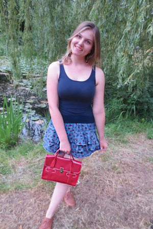 red purse - bronze shoes - blue skirt - navy top
