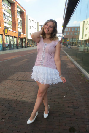 white skirt - light pink top - white pumps