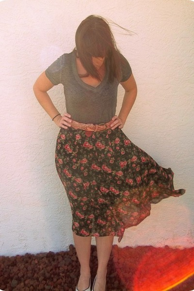 black vintage skirt - dark gray Mossimo shirt