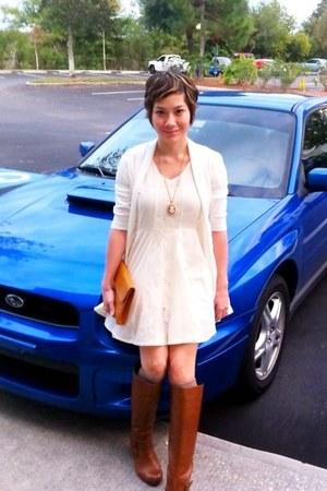 tawny Aldo boots - eggshell asos dress - burnt orange vintage purse