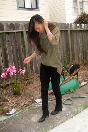 black H&M boots - green H&M blouse - black Forever 21 pants