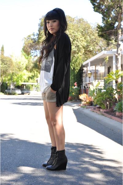black H&M cardigan - beige forever21 men top - black Forever 21 boots