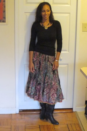 BCBG boots - H&M shirt - Komals Enneagram Flows skirt