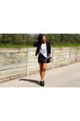 Black-ankle-boots-forever-21-boots-black-bomber-aritzia-jacket