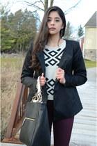 black H&M coat - beige cropped Forever 21 sweater - black basic Zara bag