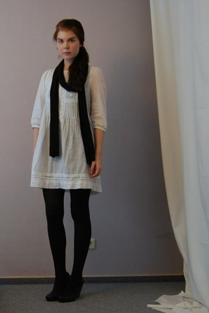 white Zara dress - black wedges H&M shoes - black American Apparel scarf