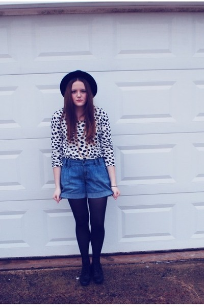 polka dots Forever 21 blouse - H&amp;M hat - Old Navy shorts