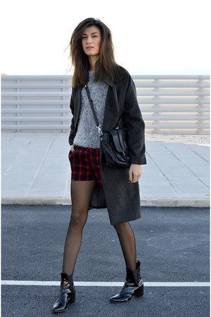 tartan AXPAris shorts - grey choiescom coat - fuzzy Sheinsidecom sweater