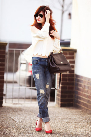 white blouse - blue boyfriendjeans Mango jeans