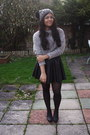 Chelsea-boots-daisystreet-boots-pom-pom-beanie-river-island-hat