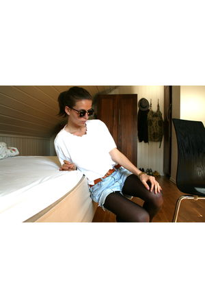 blue Levis secondhand shorts - white Secondhand blouse - brown H&M belt - brown