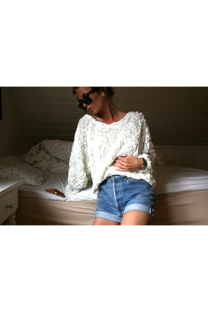 white American Apparel sweater - blue Vintage Levis Urban Outfitters shorts - bl
