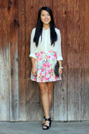bubble gum floral print skirt - black shoes - black bag