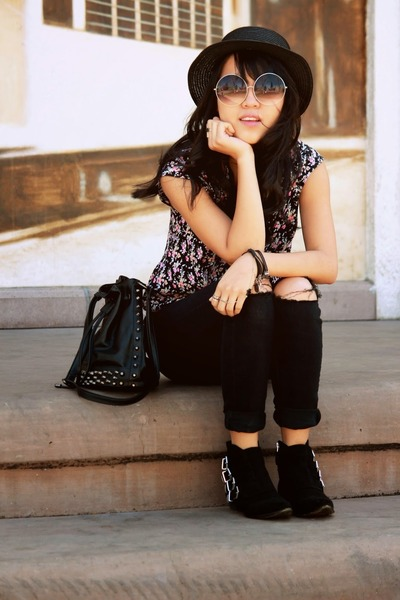 black Forever 21 boots - black denim thrifted jeans - black woven Forever 21 hat