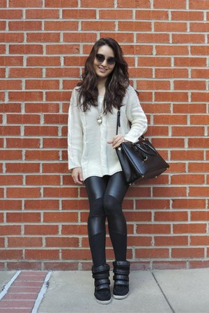 beige Lookbook Store sweater - black chicnova leggings