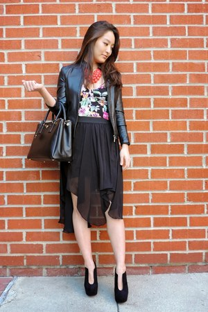 black asymmetrical Kash Collection skirt - black cut out ankle deb boots