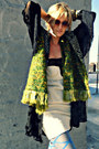 Blue-urban-outfitters-tights-olive-green-fringed-shekinah-scarf