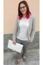 Heather-gray-ovs-jeans-beige-local-shop-blazer-white-local-shop-shirt