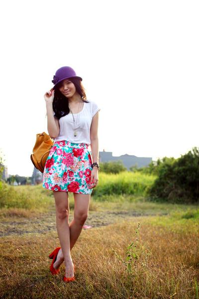 Zara skirt - Per Una hat - Urban Outfitters pumps - Bershka t-shirt