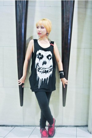 black Terranova jeans - ruby red creepers Rush shoes - black Hot Topic top