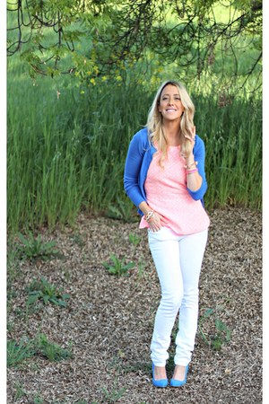 peplum Forever 21 shirt - blue Forever 21 shoes - white Wet Seal jeans