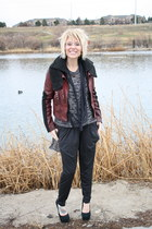 maroon bomber jacket kohls jacket - black cotton on sweater - black DSW heels