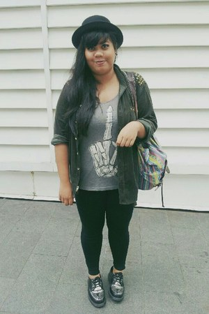 H&M top - creepers Dr Martens shoes - bowler H&M hat - cotton on leggings