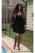 black Vintage Luke Razza necklace - brown Bakers boots