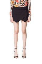 Black Asymmetrical Geometric Pockets Shorts