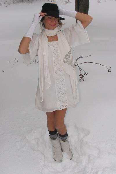 white Old Navy dress - ivory Diesel scarf
