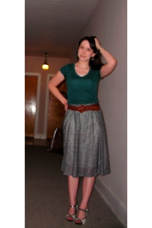 Forever21 shirt - Grandmothers belt - borrowed skirt - go jane shoes - Old Navy