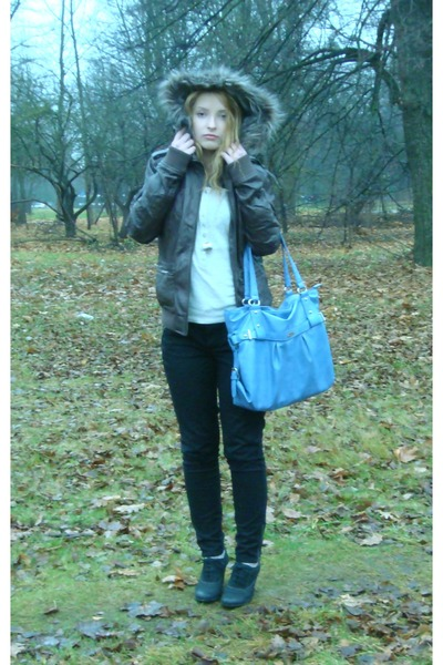 brown brown with fur pull&bear jacket - ecco boots