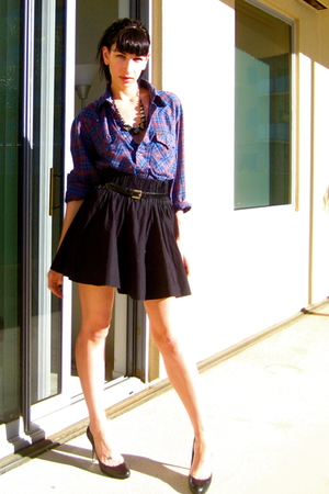 black H&amp;M skirt - blue Wrangler shirt - black vintage belt