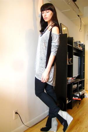 silver H&M top - black H&M vest - black BDG jeans