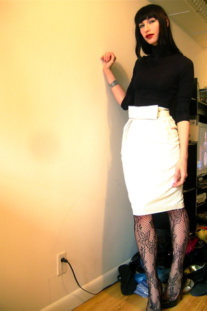 white Walter skirt - black H&M top - black Steve Madden shoes