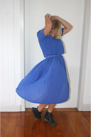blue vintage dress - black vintage Dr Martens boots